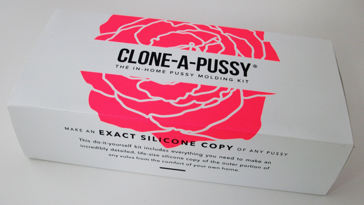 Clone-A-Pussy Kit in hot pink